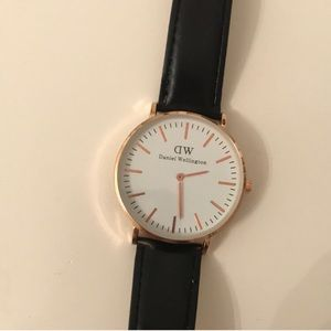 Rose gold Daniel Wellington Women's watch
